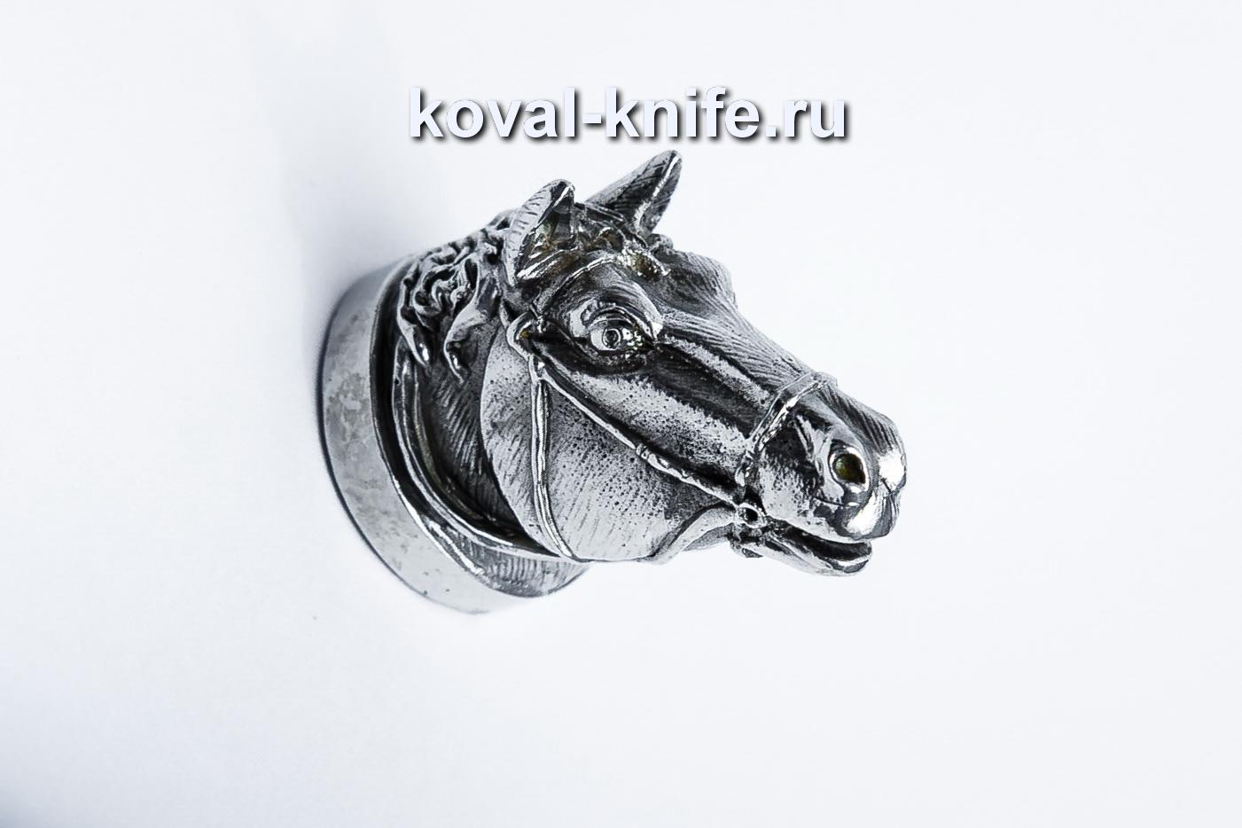 Литье  для шампура 113 Голова — Лошадь, круглое примыкание. Диаметр D 28мм.