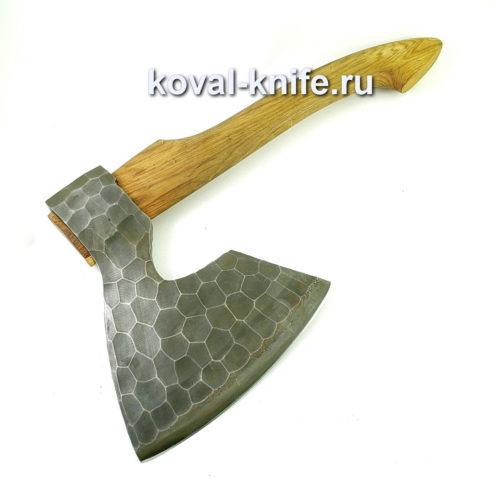 Топор мясной из стали 9хс с рукоятью из ореха